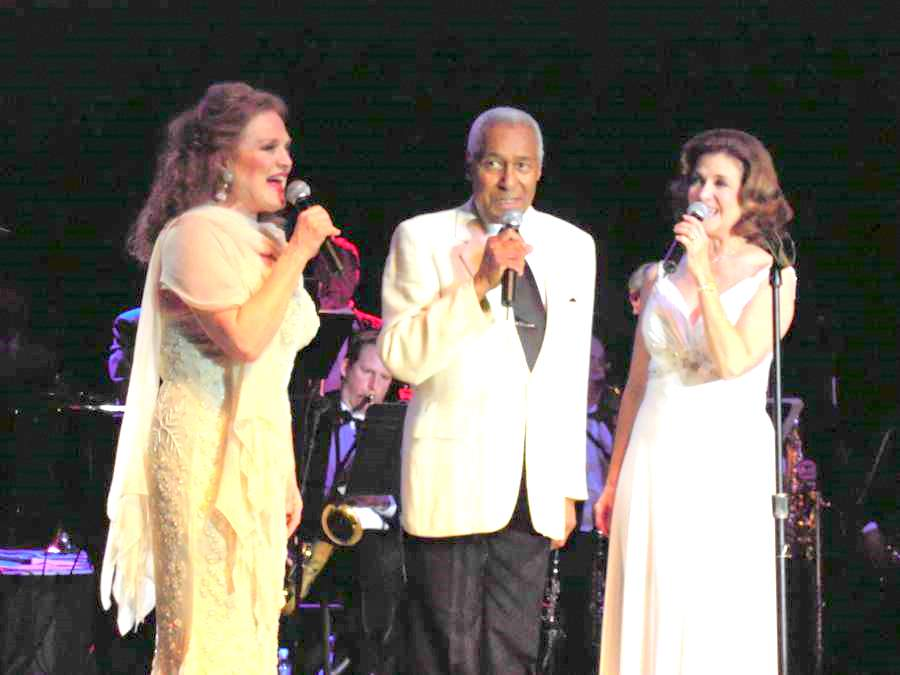 Gail Farrell, Arthur Duncan and Mary Lou Metzger in concert
